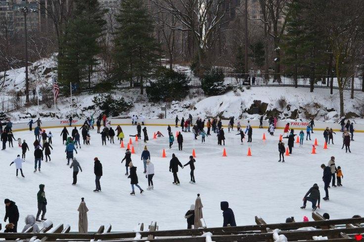 15-premieres-neiges-new-york-central-park-patinoire3-pomme