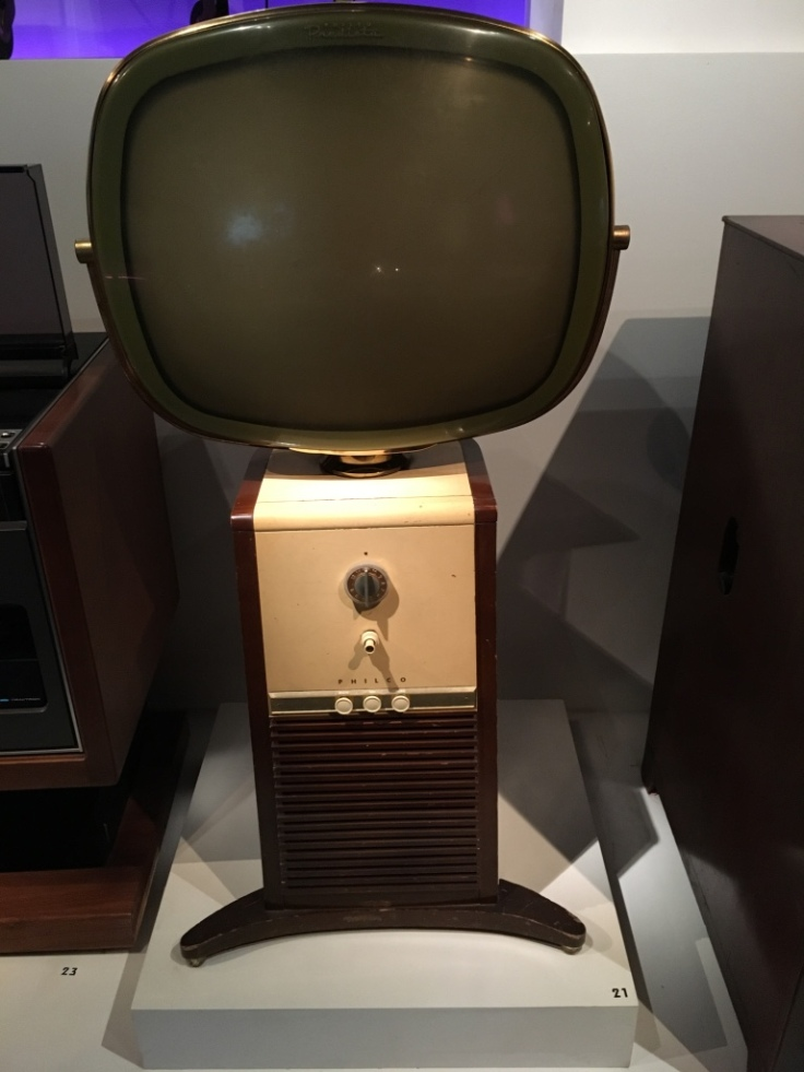 6-museum-of-moving-image-new-york-barber-pole-television
