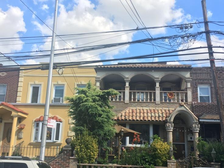 balade-astoria-ditmars-maison